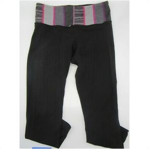 LULULEMON Black Capri Legging with Pink and Grey
